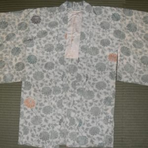 Kimono- Short- White with grey flowers
